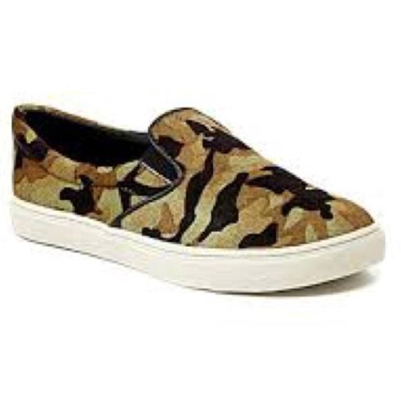 60eff9e574f Steve Madden Camo Fuzzy Slip On Sneakers Flats. M 5a415a6fd39ca29d96033ef6